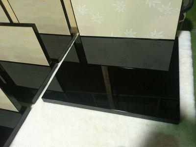 店舗什器 ディスプレイ台の塗り